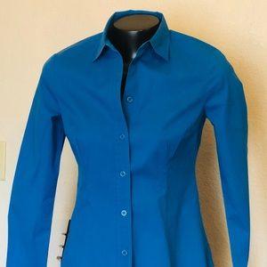Moda button down work blouse!